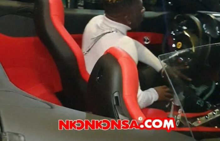 VIDEO: SM Fans Run After Shatta Wale As He Drove In His Ferrari Car