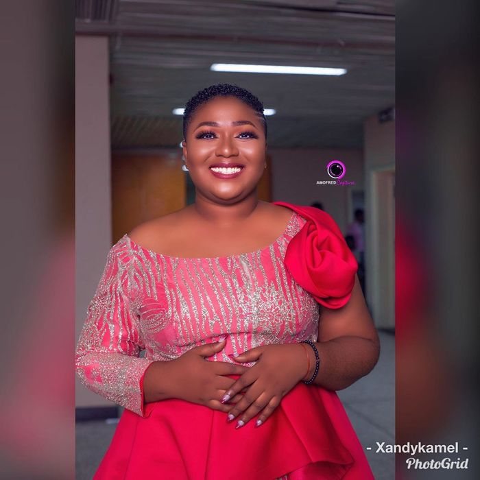 Slay Queen, Xandy Kamel Exposed For Begging Men On Facebook For Recharge Cards